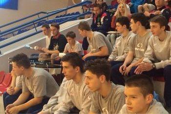 Volejbalisti VK NMnV čakajú na svoj zápas.